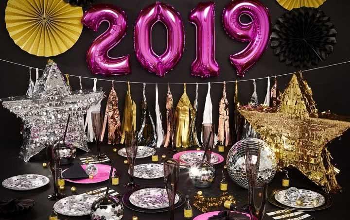 Mesa de ano novo: veja dicas para planejar e decorar com fotos incríveis