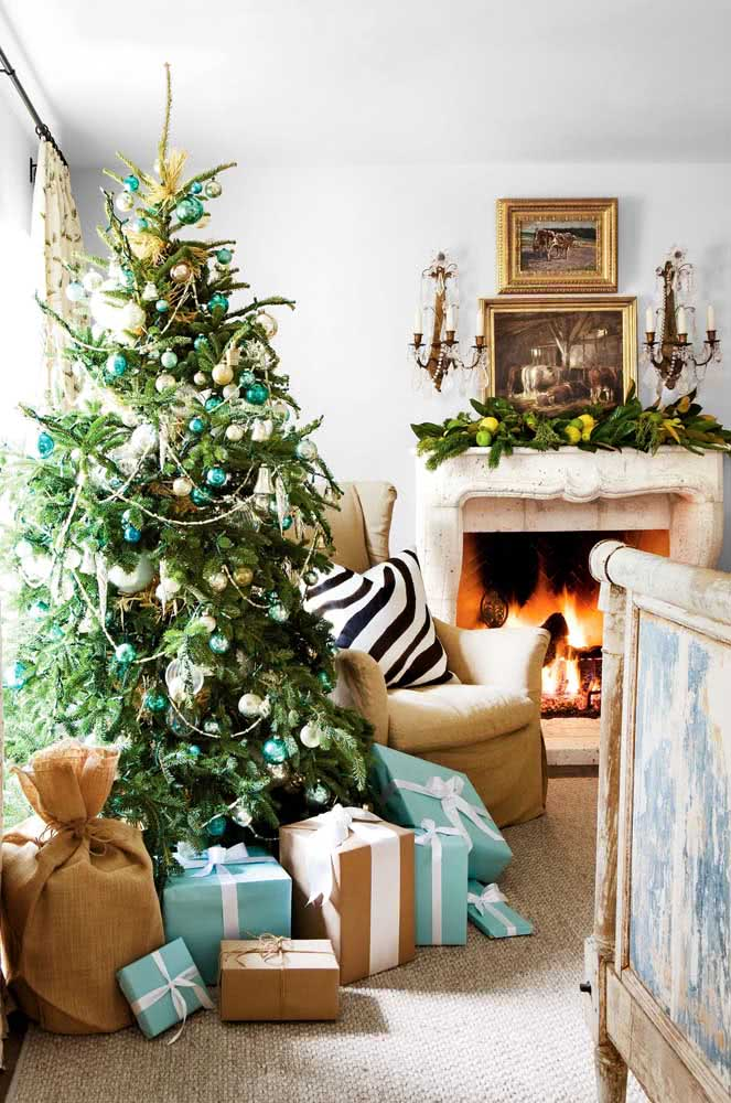 Festão na árvore de natal: uso original do enfeite
