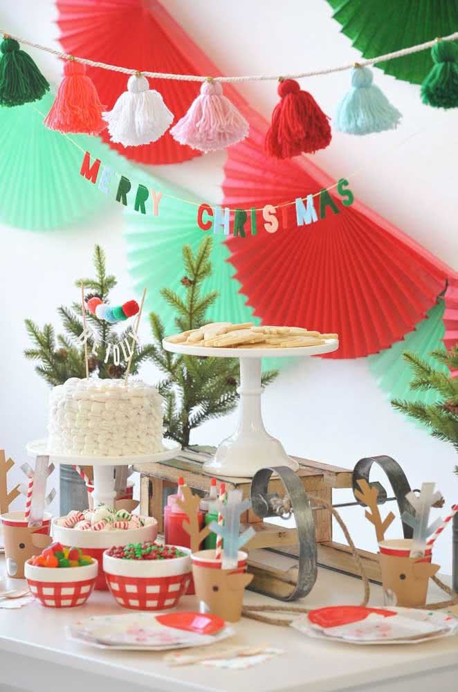 Mini árvores feitas com festão