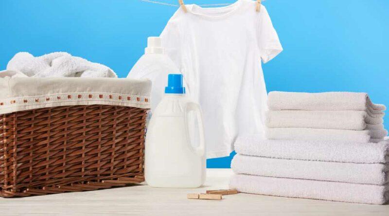 Como clarear roupa branca: passo a passo e dicas essenciais