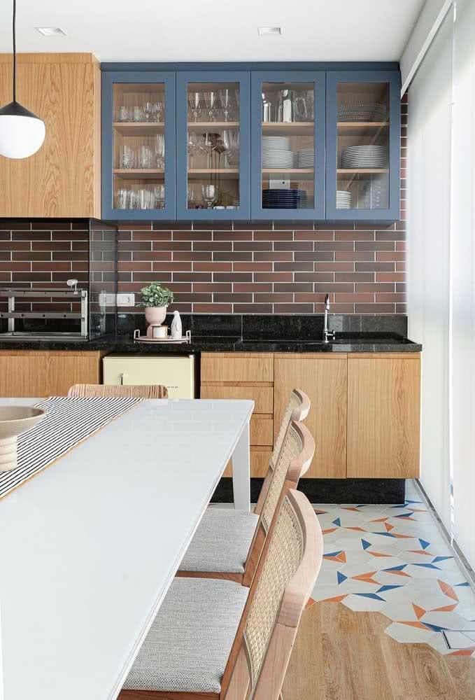 Os modelos de churrasqueira que não emitem fumaça podem ser instalados na área interna do apartamento