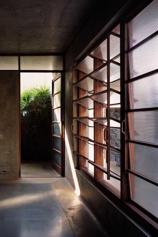 Janelas basculantes com vidro canelado: um clássico dos anos 60 que voltou para os projetos atuais de arquitetura