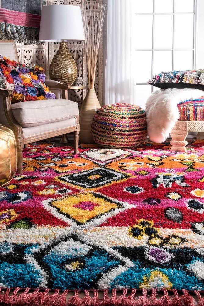 Tapete árabe lindo e super colorido para alegrar a sala de estar