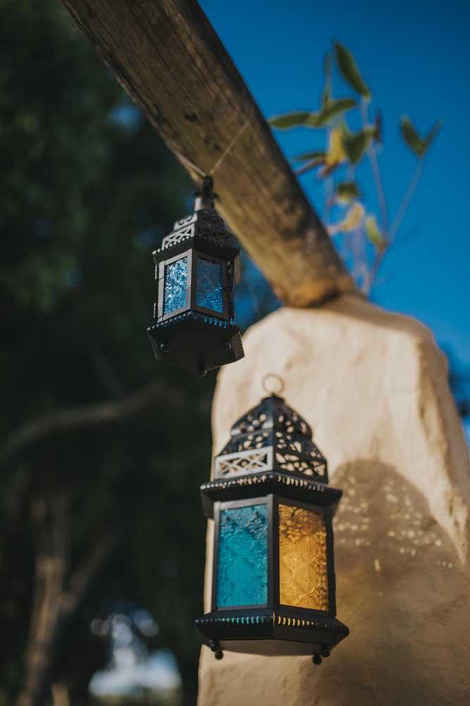 Luminária árabe para decorar o jardim ou varanda da casa