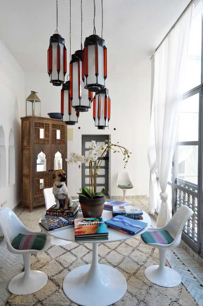 Uma linda inspiração de como combinar a decoração moderna com a decoração árabe