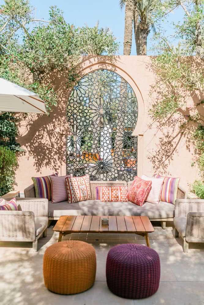 Jardim árabe: conforto e acolhimento em tons quentes