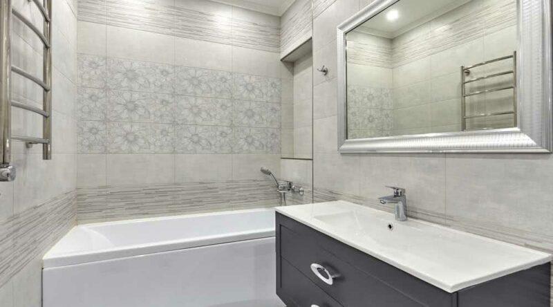 Banheiro sem janela: conheça os principais problemas, dicas e soluções