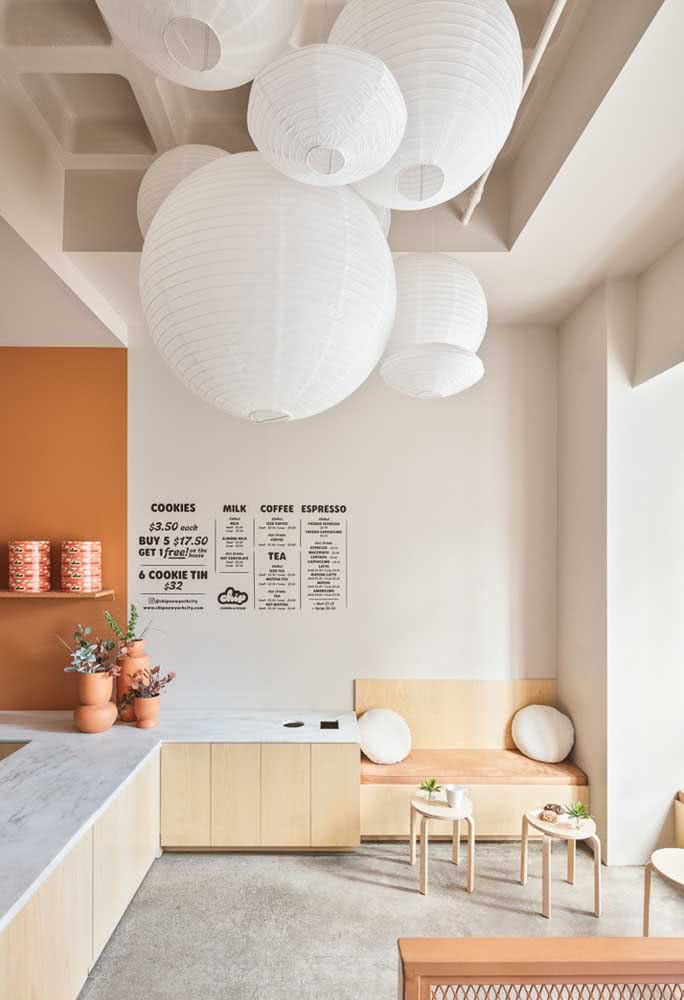 Quem diria, mas as lanternas japonesas também podem ser bem aproveitadas na cozinha