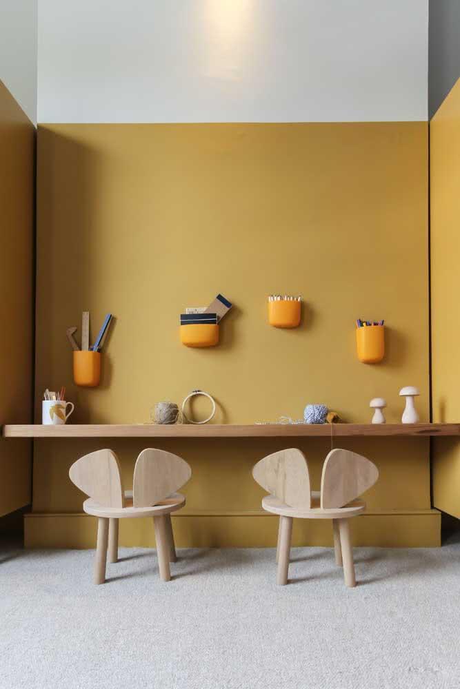 Parede amarelo mostarda: um convite a criatividade dos pequenos