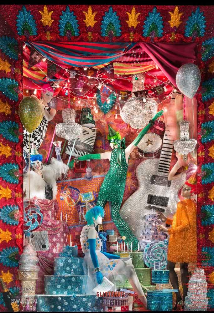 Uma vitrine ou uma alegoria de escola de samba?