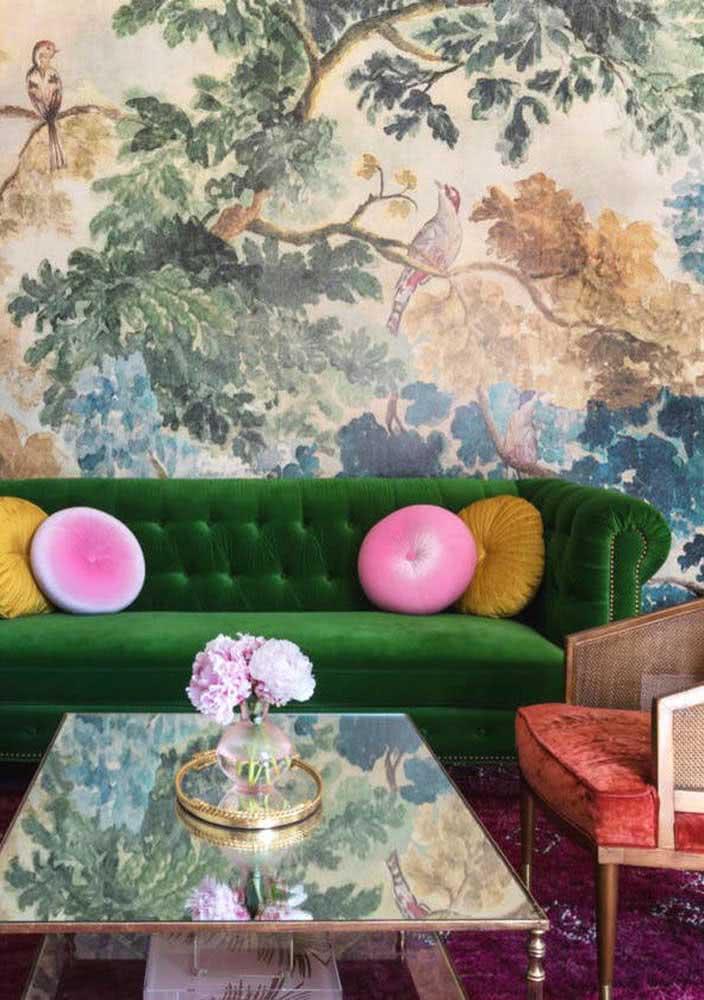 E naquelas decorações cheias de personalidade o sofá verde também se destaca