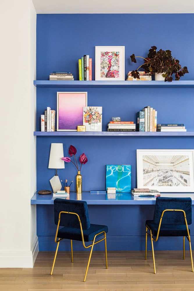 Azul, a cor da tranquilidade, para um momento de estudos relax