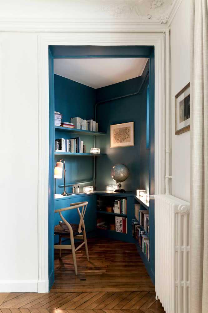 Cantinho de estudo azul: tranquilidade para estudar
