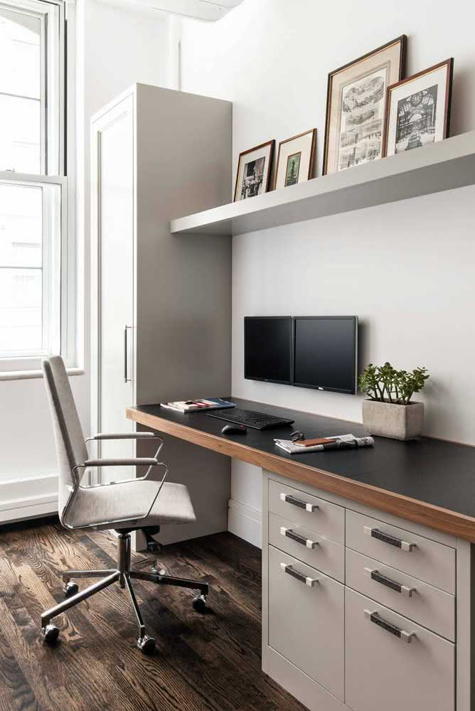 Mesa para cantinho de estudo com gavetas para melhor aproveitamento do espaço
