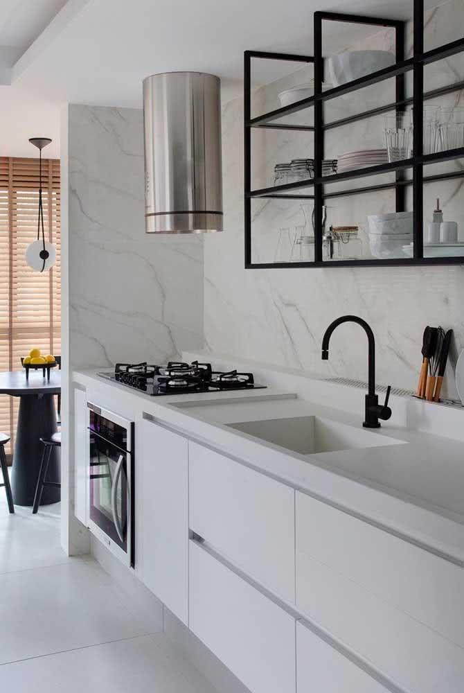 Pia de porcelanato branco para a cozinha: um projeto moderno e econômico