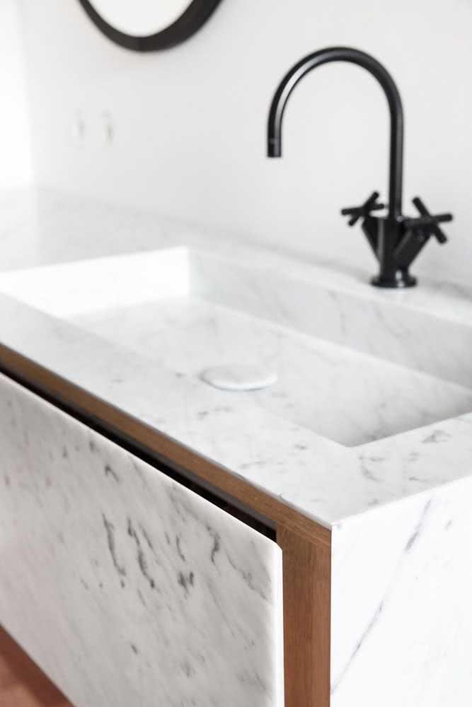 Pia de porcelanato branco: o segredo é a instalação que precisa ser impecável
