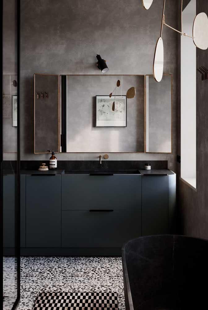 Quer um banheiro luxuoso, mas sem gastar muito? Então invista em uma pia de porcelanato preto