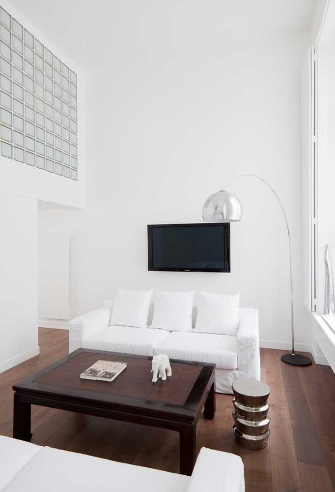 Sala de apartamento com mezanino