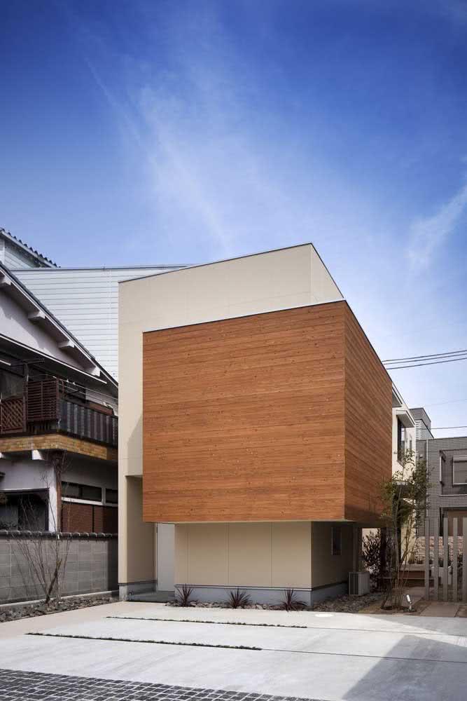 Casa japonesa pequena surpreendentemente moderna.