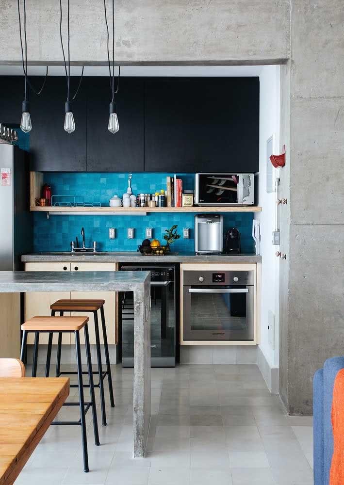 Espaço reduzido para o projeto da cozinha: este não foi um limitador para ter um espaço bem funcional e charmoso.