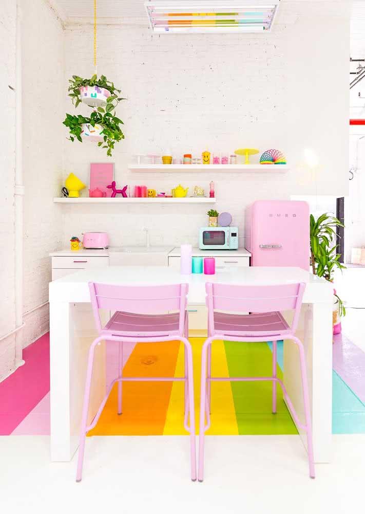 Para as meninas: que tal uma cozinha com a sua cara e com a suas cores favoritas?