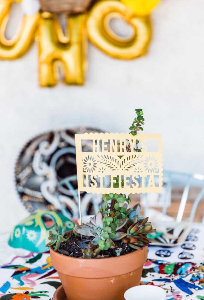 Ou se você preferir pode entregar um vasinho com planta para cada convidado.