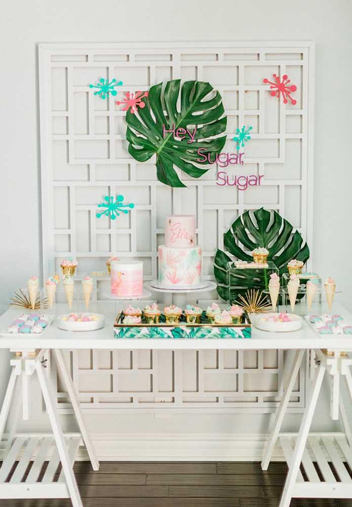 Usando alguns elementos diferentes, mas que sejam simples é possível fazer uma decoração linda e econômica.