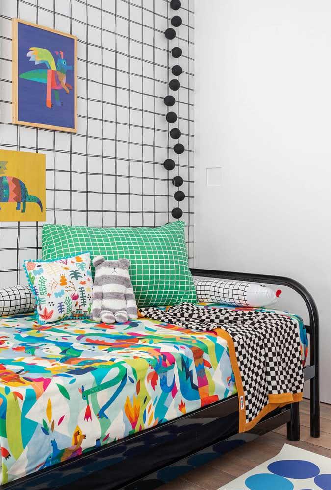 Para o quarto infantil, o mix de cores e estampas está mais do que liberado