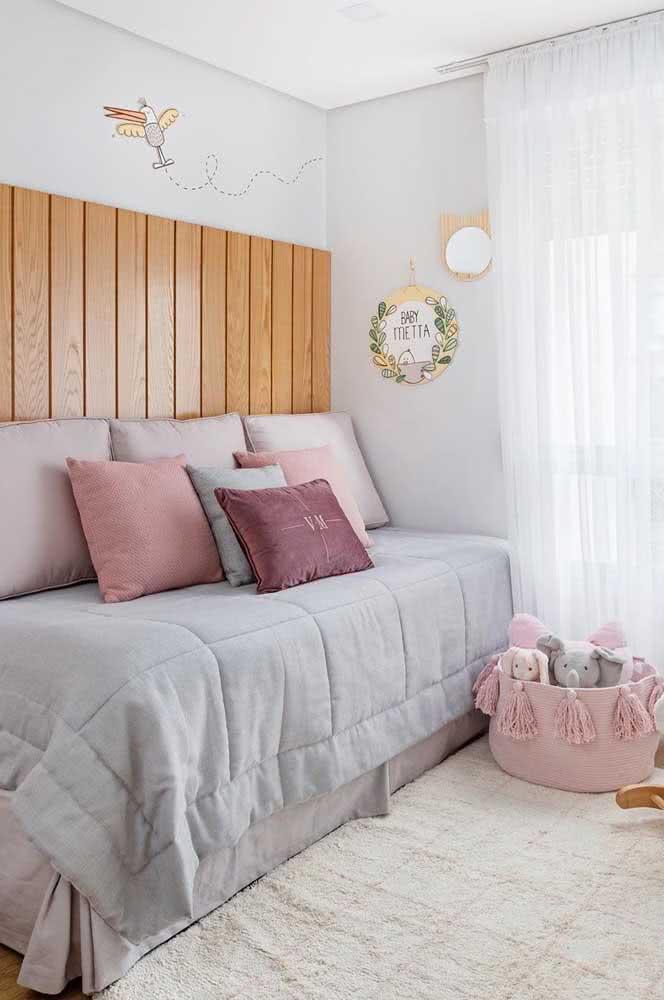 Cama infantil de menina não precisa ser sempre cor de rosa, pode ser cinza também!