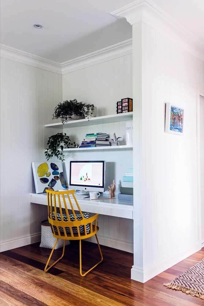 Cadeira amarela para escrivaninha de estudos: estilo e bom gosto na hora de estudar