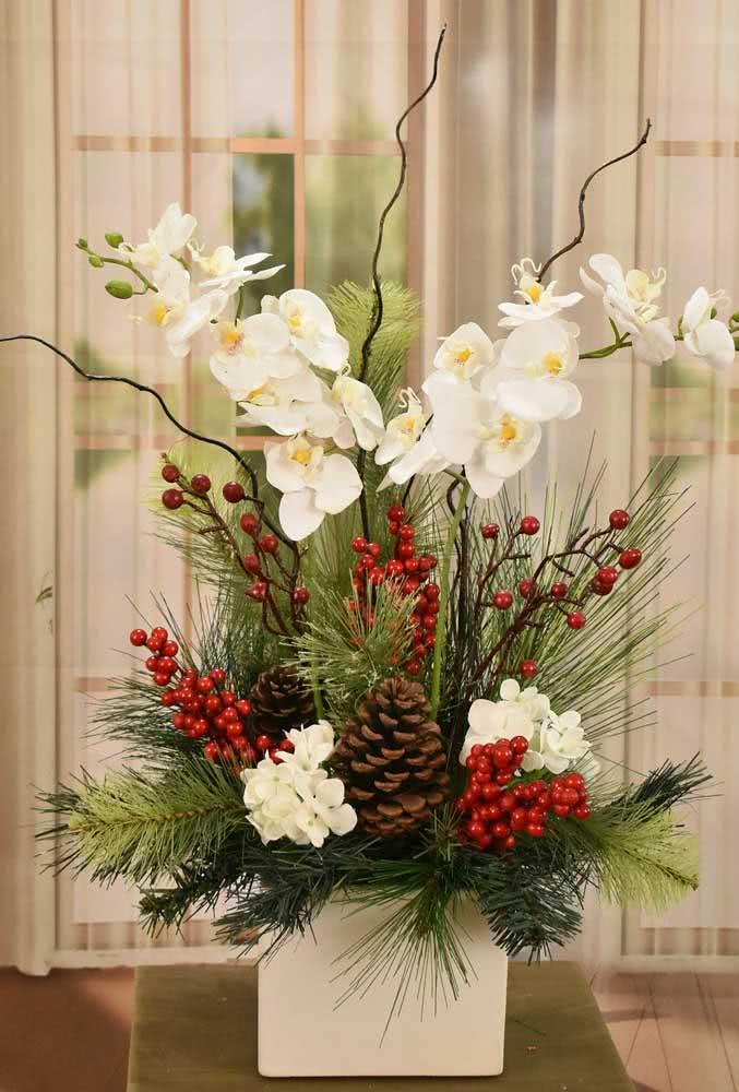 Enfeite de natal com orquídeas brancas