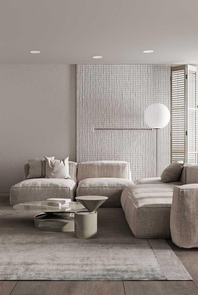 A sala de estar pode ganhar um sofá cor pérola, já pensou nisso?
