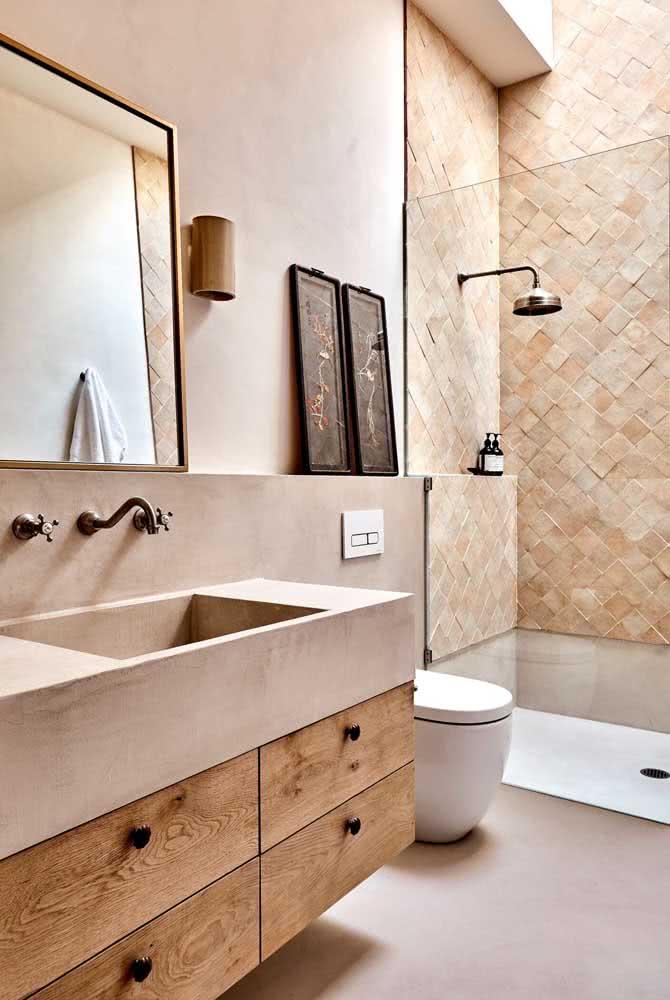 """A cor pérola """"aquece"""" o banheiro sem perder o estilo moderno que lhe é característico"""