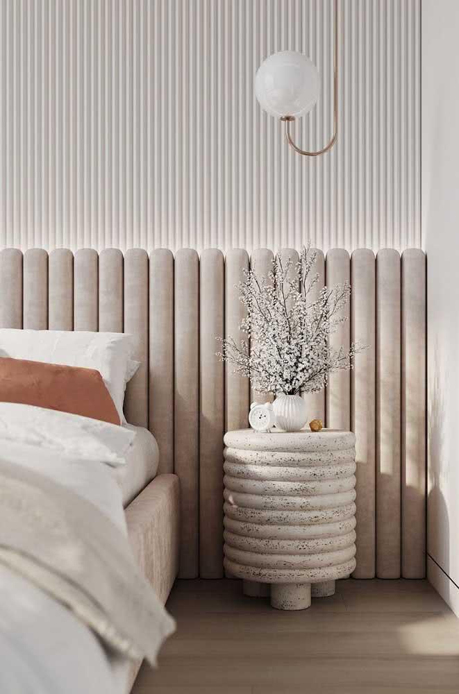 Cabeceira cor pérola para o quarto do casal