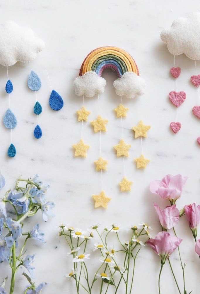 Decoração chuva de amor com gotas em formato de coração e estrelas