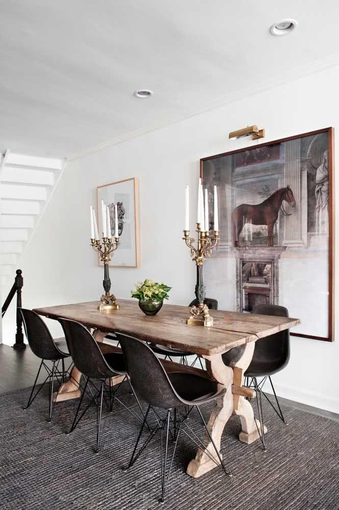 Traga estilo e personalidade à decoração com a mesa de jantar rústica