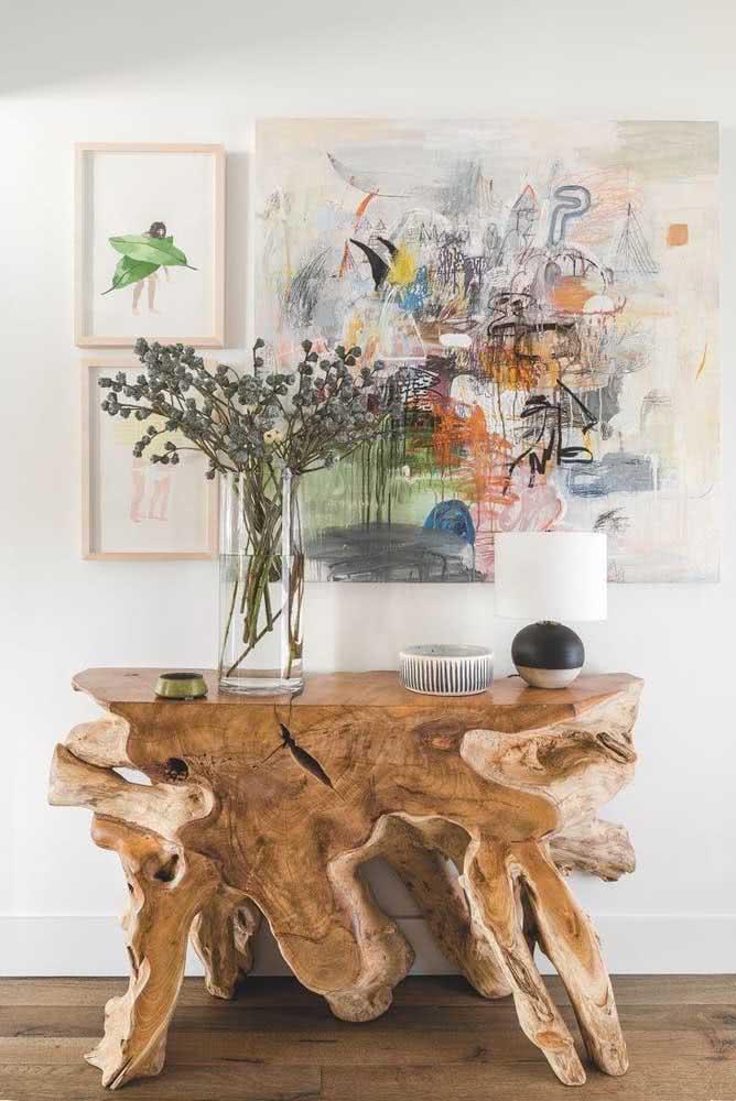 Uma mesa de madeira rústica ou uma obra de arte?
