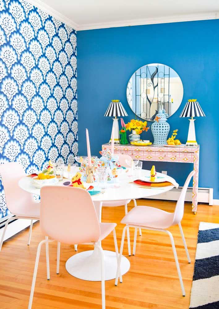 Mesa de páscoa simples, colorida e divertida