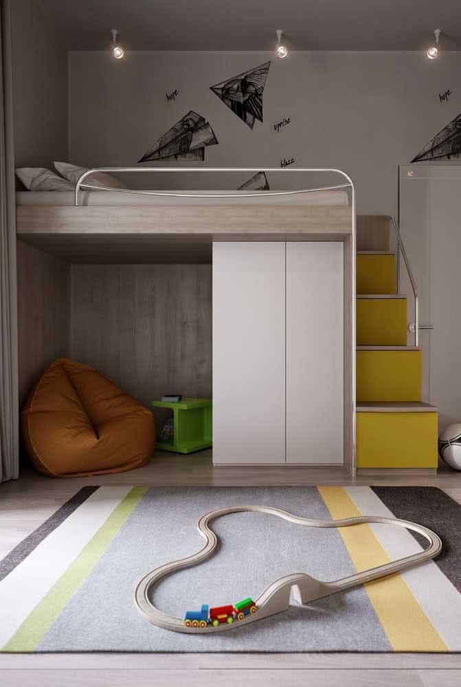 Beliche planejada com guarda roupa e espaço para brincar