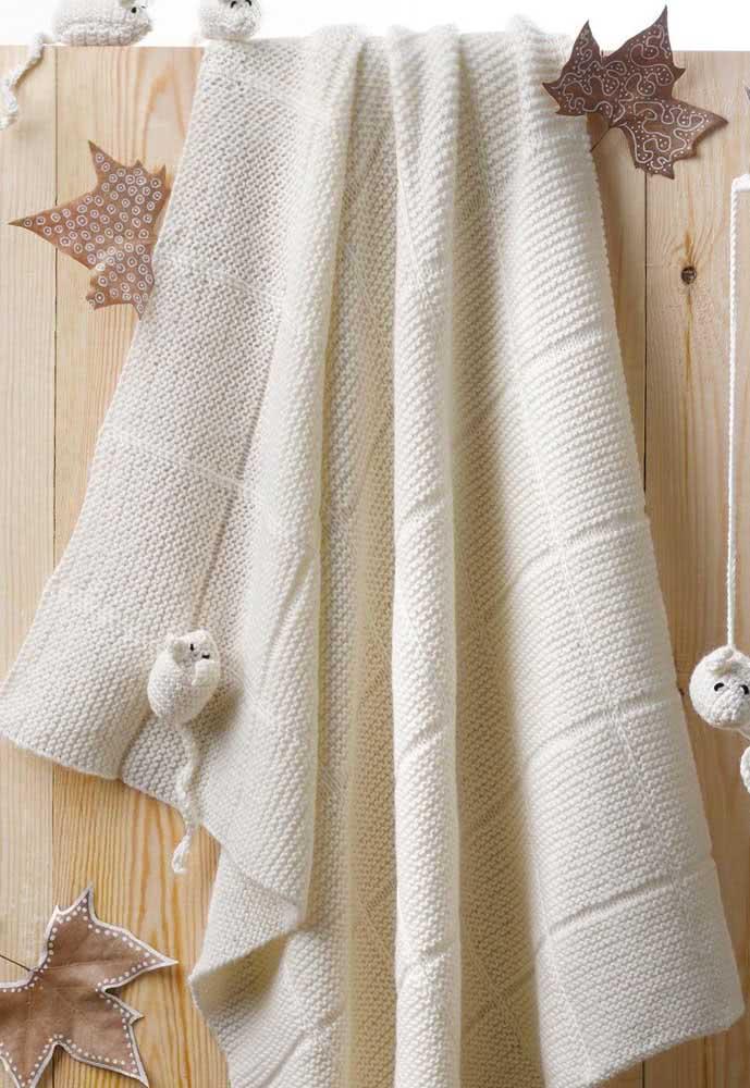O que acha de alguns apliques de bichinhos para a manta de crochê branca?