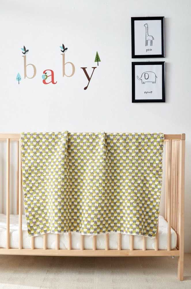 Um pouco maior, essa manta de crochê é ideal para acompanhar o desenvolvimento da criança