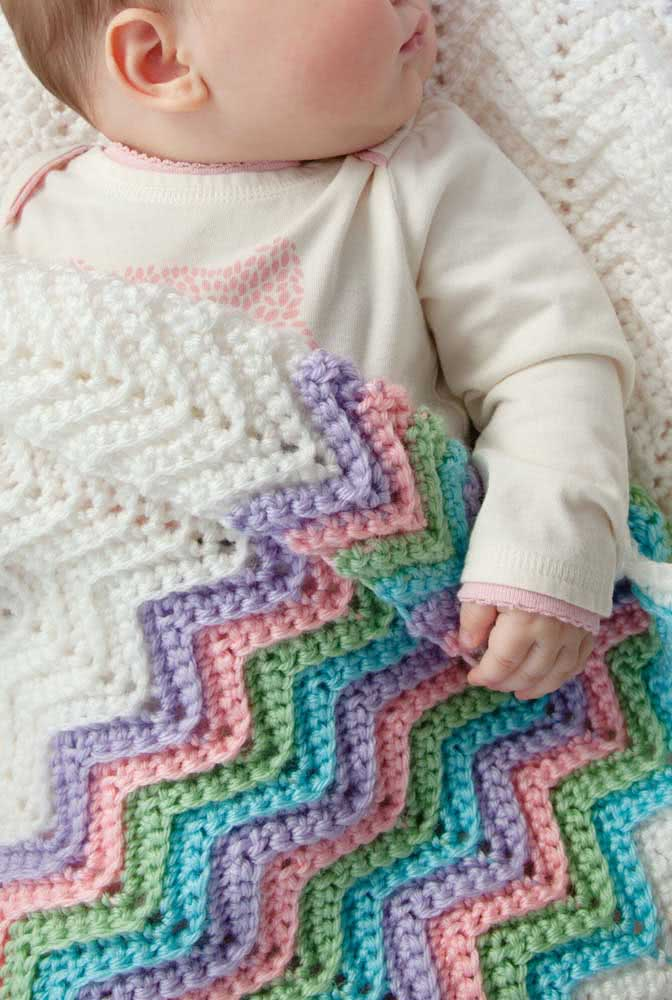 Chevron em cores suaves para a manta de crochê de menina