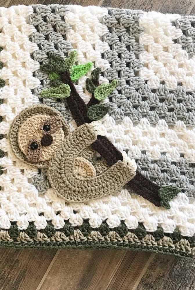 Um aplique de preguiça para a mantinha de crochê ficar ainda mais fofa