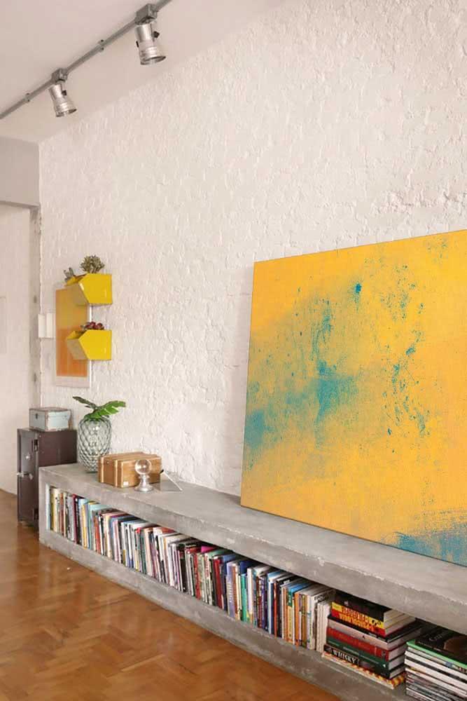 Sala de estar com textura de parede simples na cor branca.