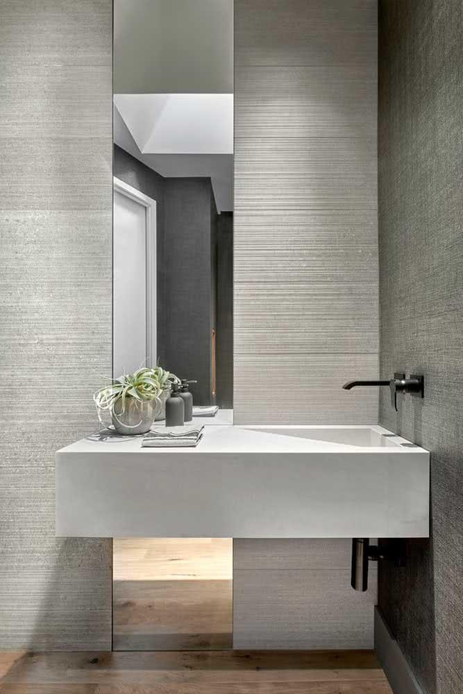 Textura de parede riscada para um banheiro minimalista e incrível.