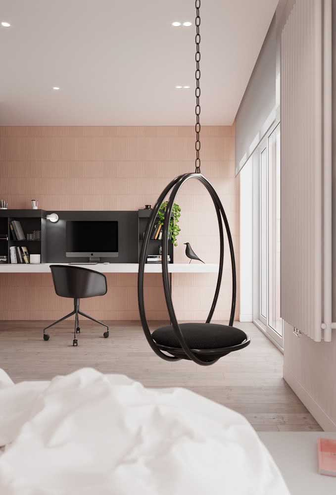 Textura de parede suave na cor salmão claro para um quarto de casal com home office