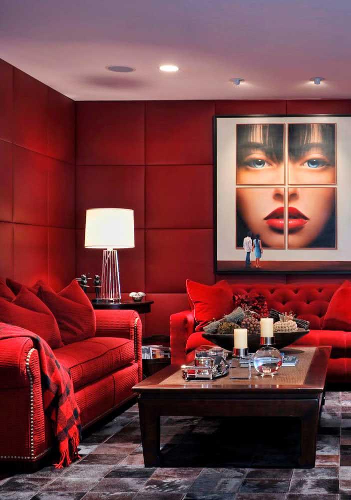 Sensualidade e paixão na sala vermelha