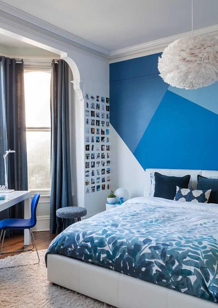 Mix de tons de azul para o quarto jovem