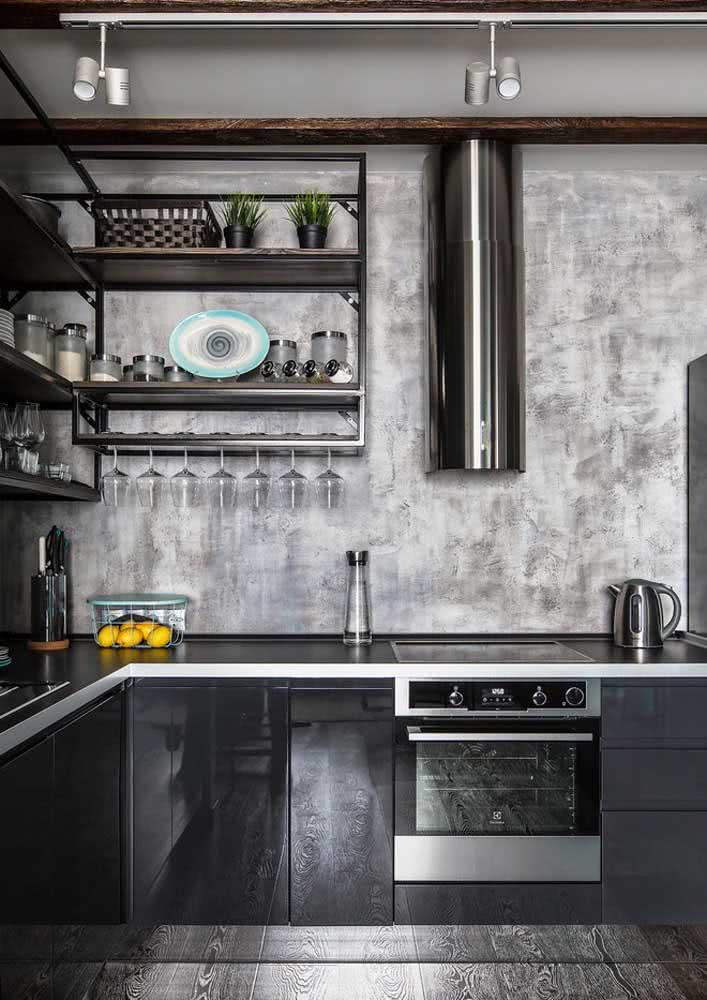 Cozinha cinza e preta para combinar com o estilo industrial