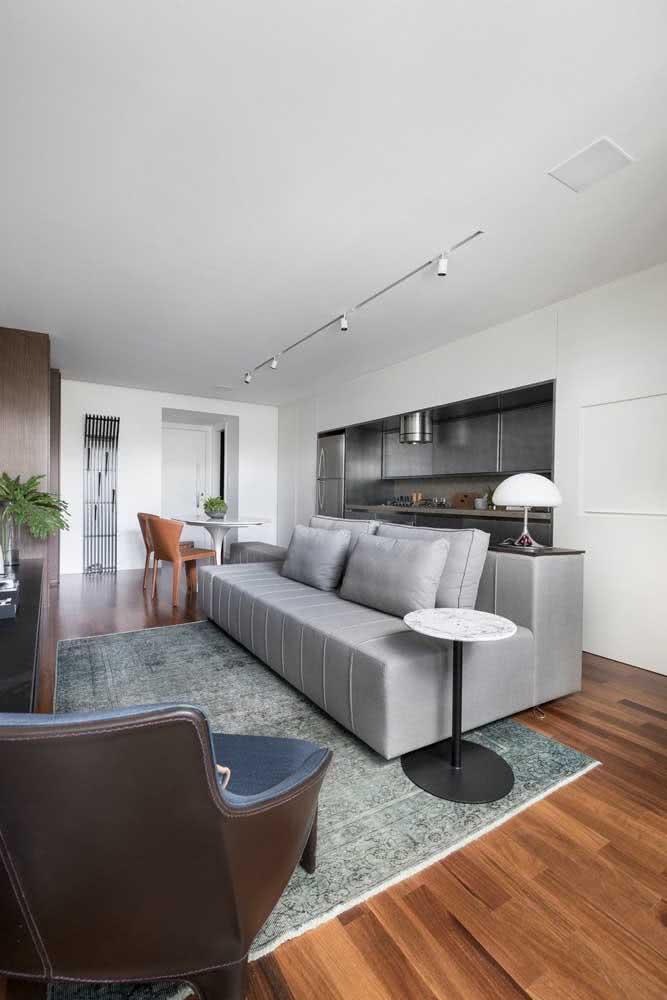 Na dúvida, o sofá sem braço cinza é sempre uma boa opção